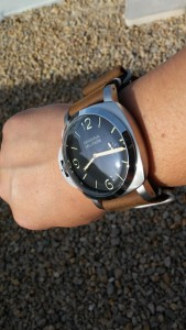 Marina Militare Fiddy on 26mm brown leather zulu strap.