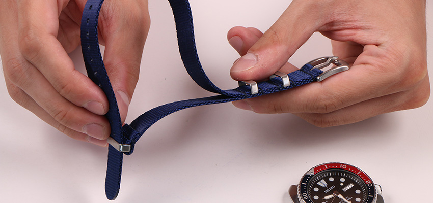 How To Install A Nato Strap 3