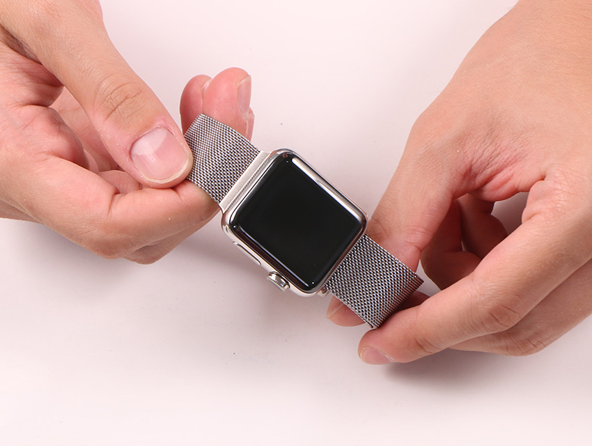 How To Install Apple Watch Bands 1
