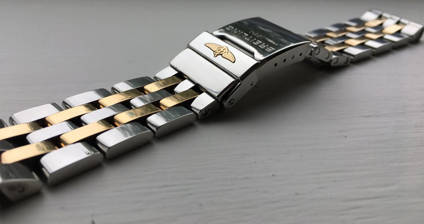 Most Iconic Watch Bracelets Ever Made Breitling Pilot Bracelet