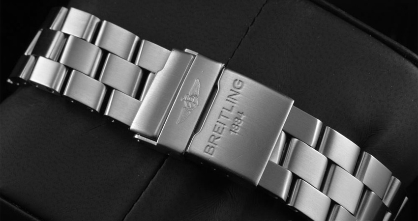 Most Iconic Watch Bracelets Ever Made Breitling Professional Ii Bracelet